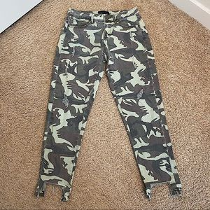 MUSTARD SEED CAMO OLIVE DISTRESSED JEAN SMALL